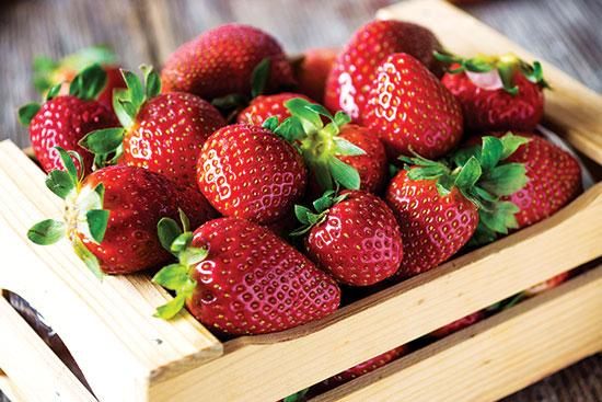 5年間で初めて、イチゴが慣行農法で栽培され最も汚染された作物のトップに。
