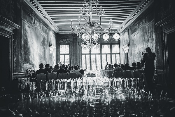 destination wedding in venice photoshoot