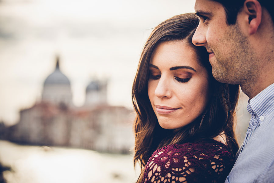engagement Photo Shoot in venice