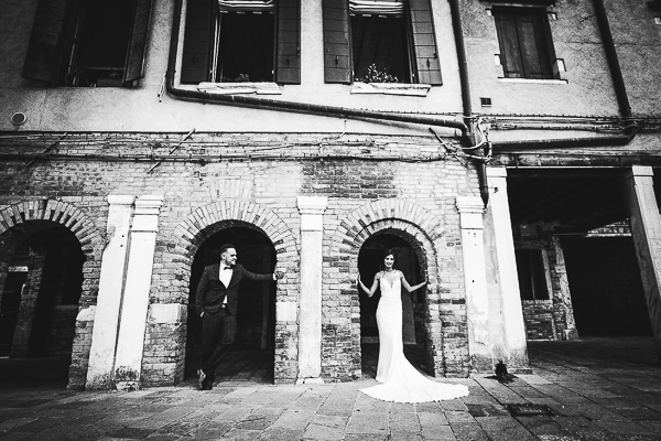 engagement photographer tuscany italy