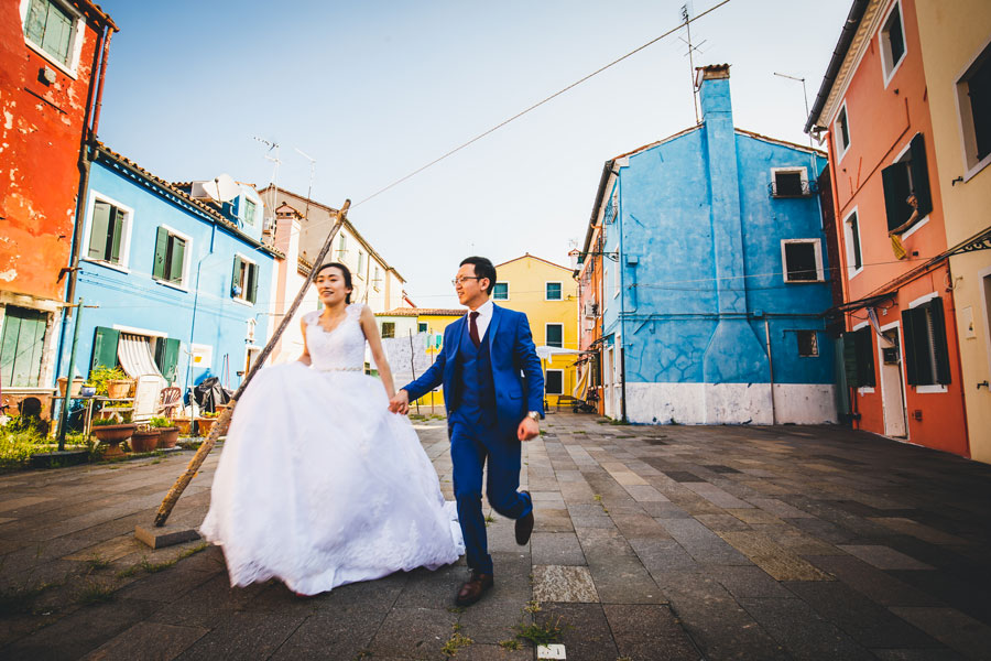 wedding photoshoot in burano