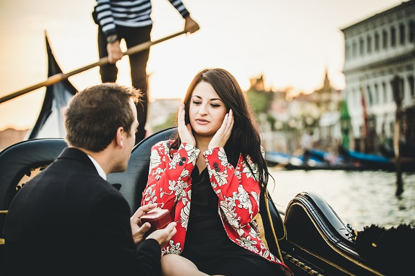 surprise proposal gondola venice