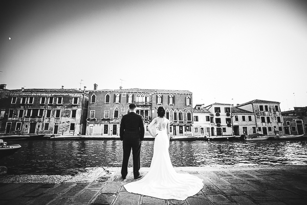 photographer engagement venice italy