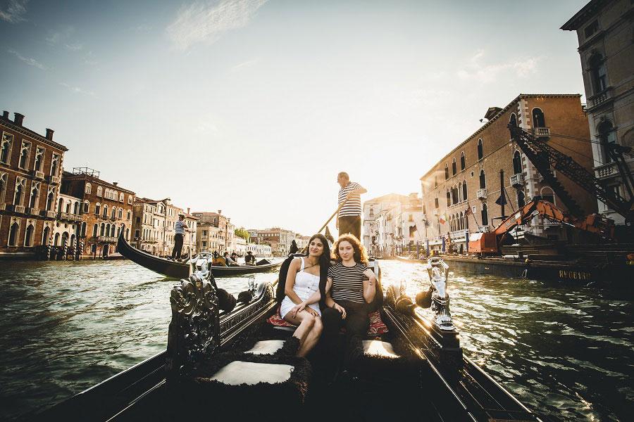 Venice-Gay-Honeymoon-Photoshoot