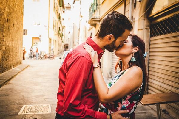 engagement photographer tuscany