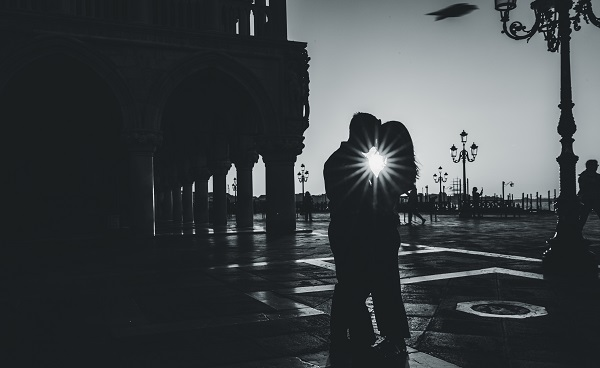 romantic photoshoot venice