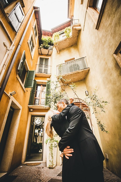 engagement photographer verona