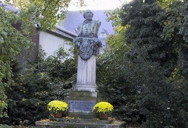 Gottfried Kinkel - Denkmal in Bonn-Oberkassel