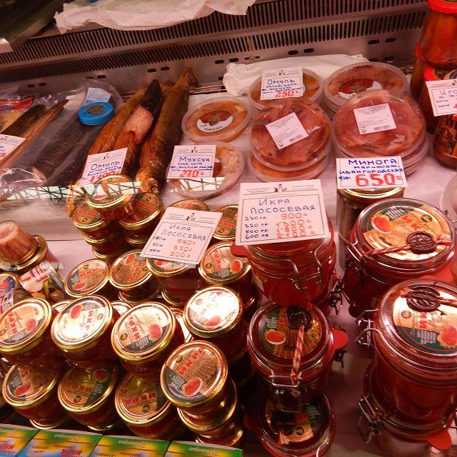 Reichhaltiges Angebot an Kaviar.               k