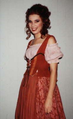 """W.A. Mozart """"Le nozze di Figaro"""" Partie: Barbarina Badisches Staatstheater Karlsruhe Spielzeit: 2001/2002"""