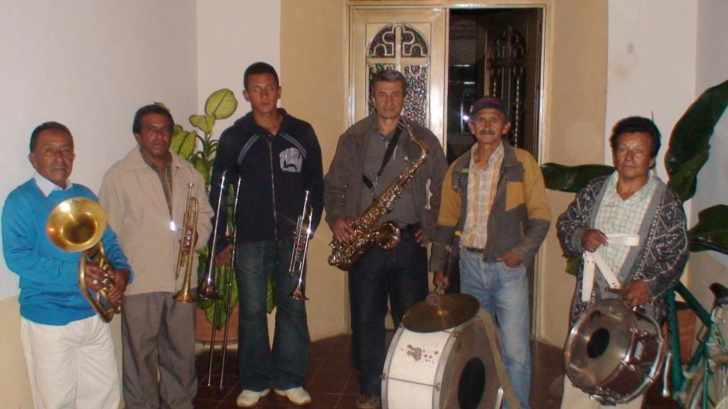 BANDA MUSICOS proseciones 2009