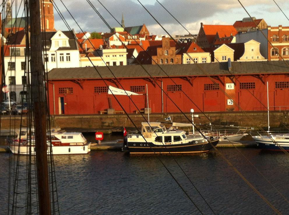 Schuppen am Hafen