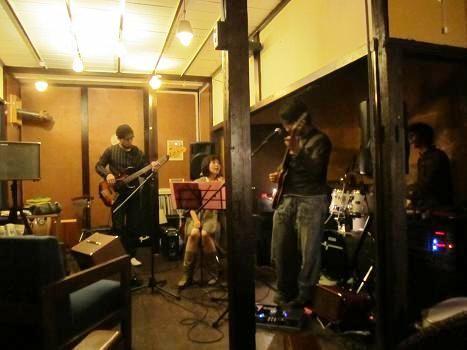 111029-046 ふくいえきまえ音楽祭2011秋@カフェ ココット