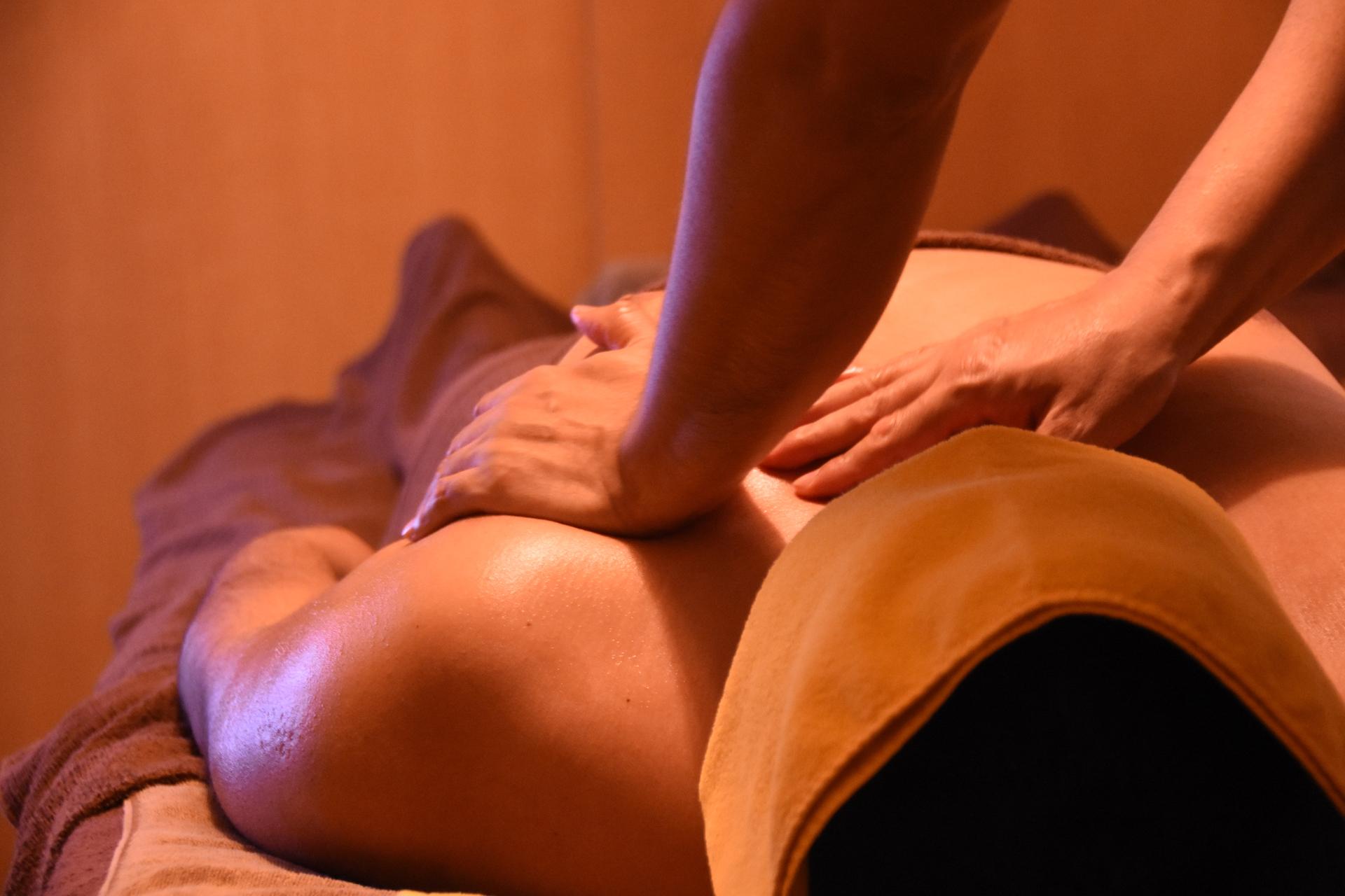 胸、肩、首のコース。肩こりやトレーニングあとにおすすめ。