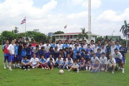 2008.6.8  デフリンピック予選大会(バンコク6月7日‐19日)に参加した、ろう者日本代表メンバー