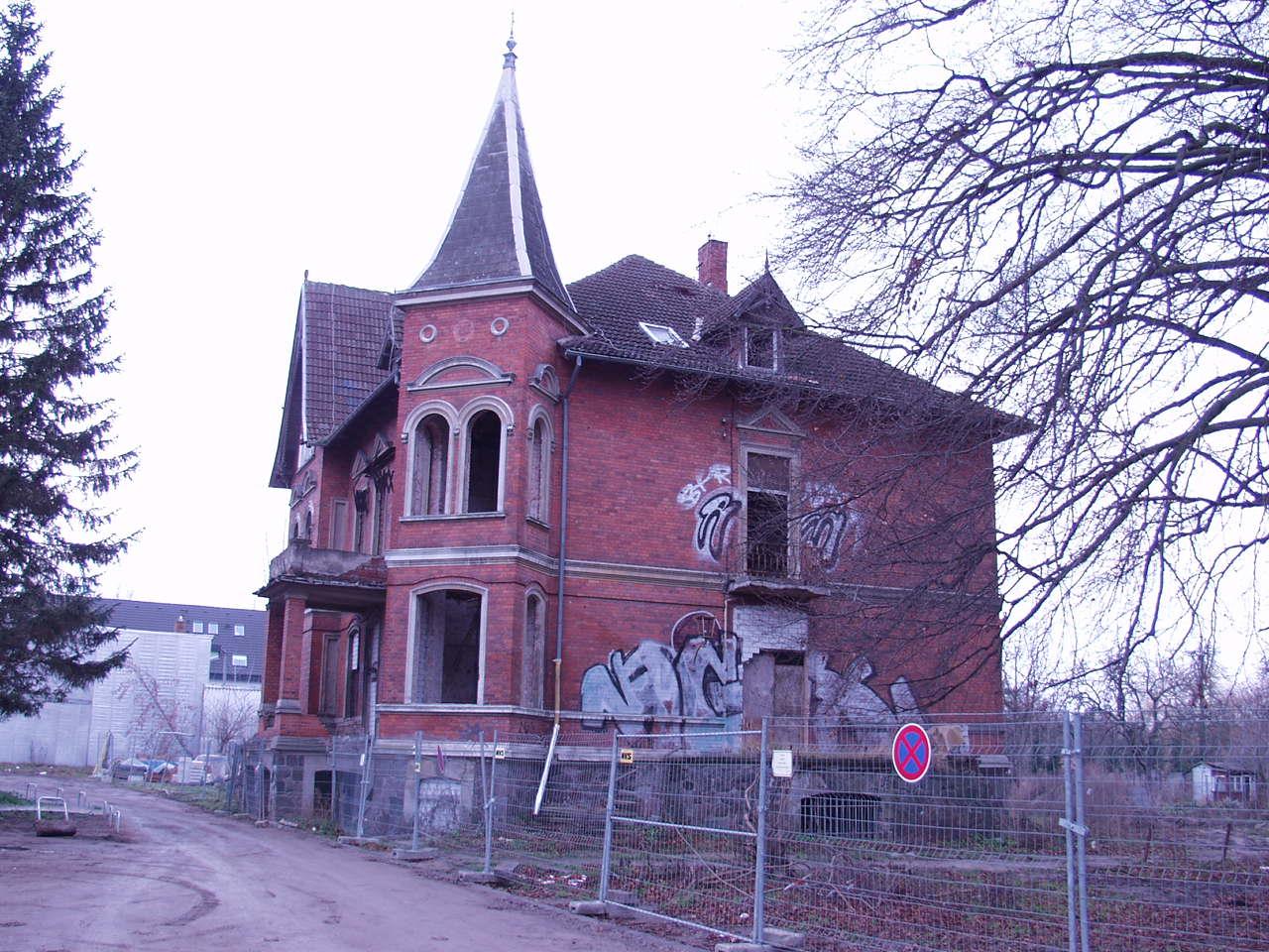 Die Villa 2003