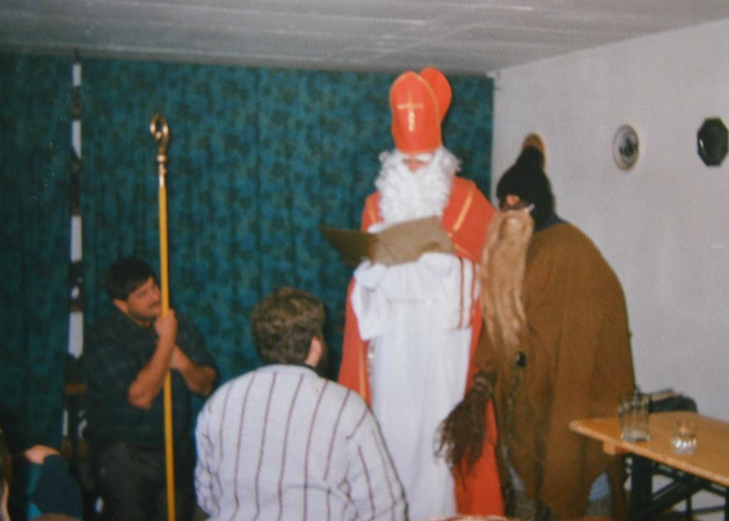 Die alljährliche Weihnachtsfeier (hier 1988)