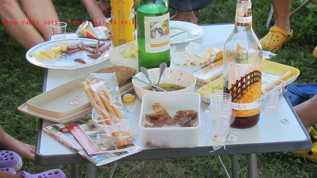 Jeder bringt etwas, so wird der Tisch nie leer. :-)))))