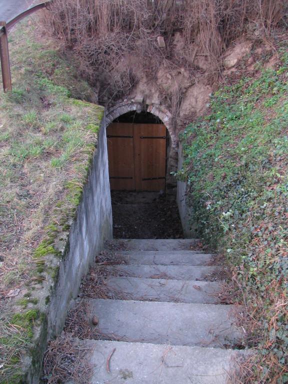 Abstieg in die Weingewölbe