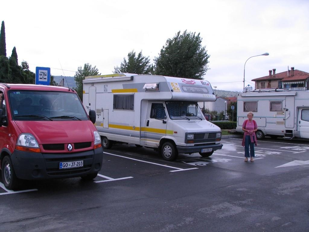Stellplatz mit V+E in Izola