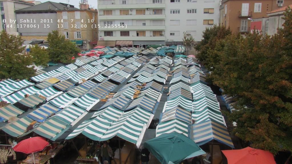 Zadar's Marktstände