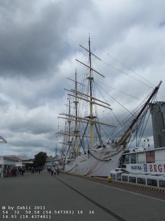 Dar Pomorza (Segelschulschiff)