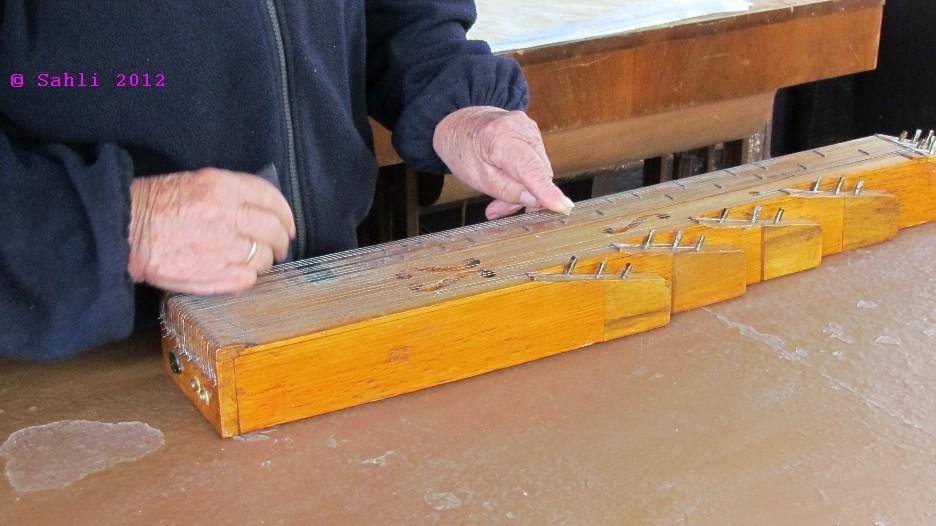 altes Musikinstrument