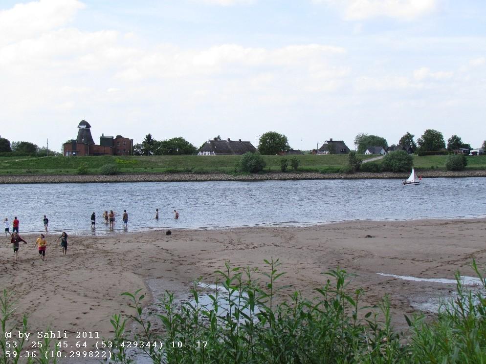 an der Elbe zu stehen