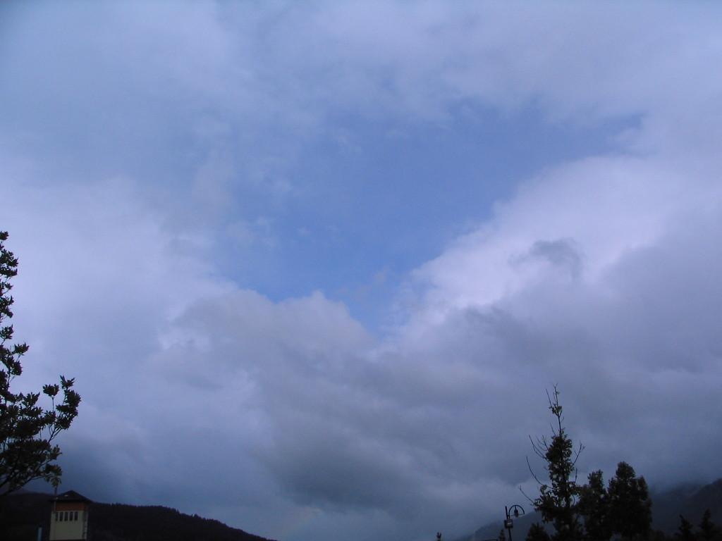 der einzige blaue Stücken Himmel für den heutigen Tag