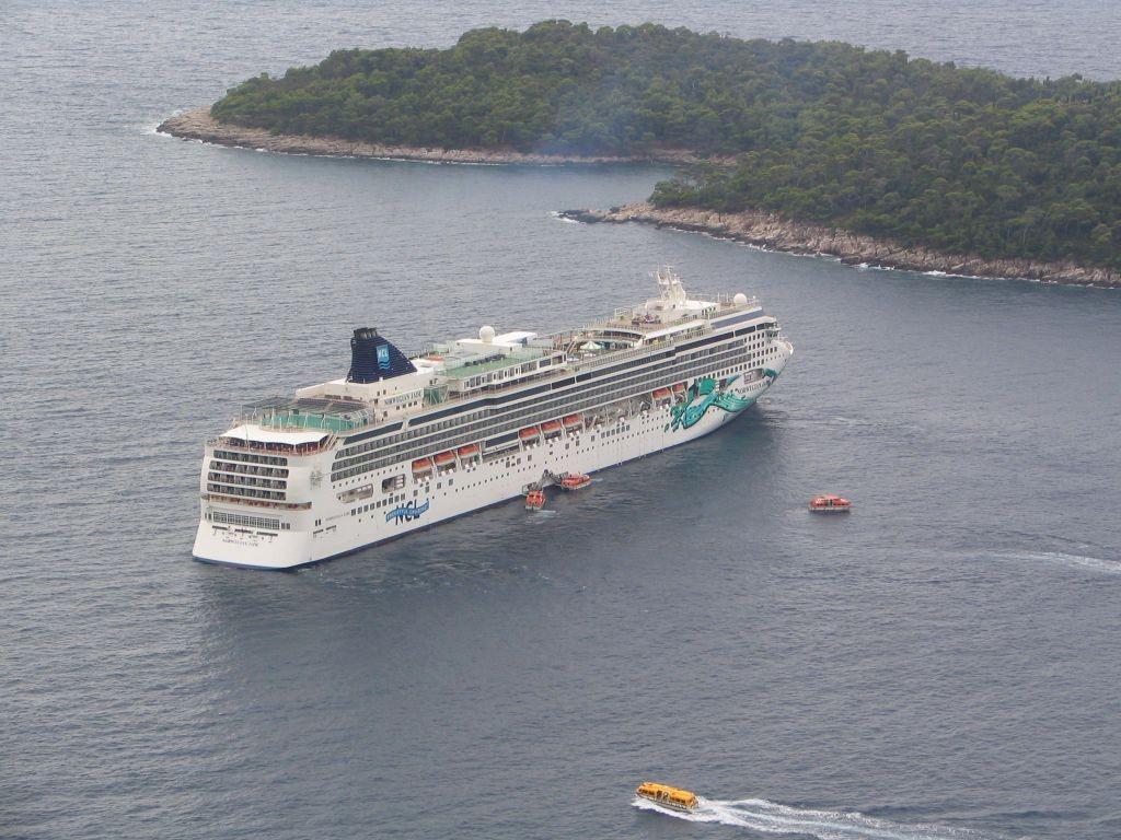 ein Schiff von vielen vor Dubrovnik