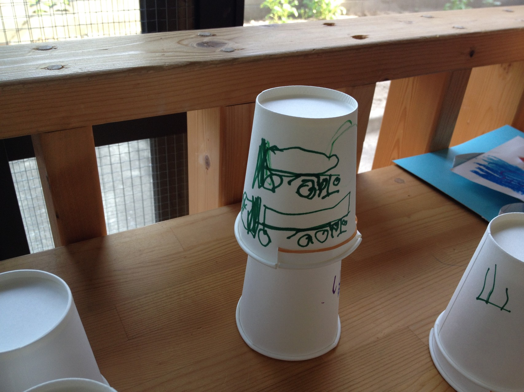 紙コップと輪ゴムでロケット発射!