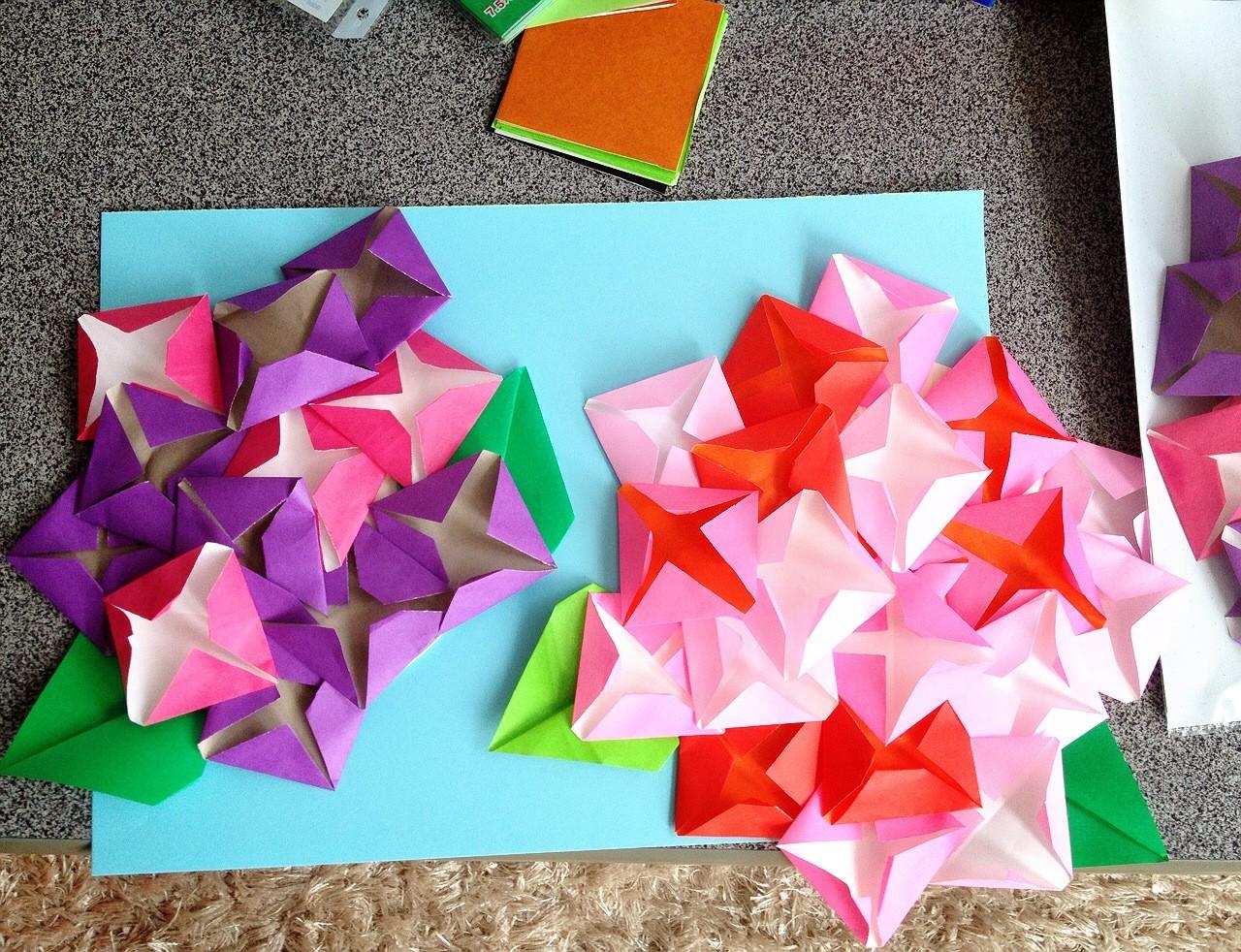 折り紙と紙皿で紫陽花