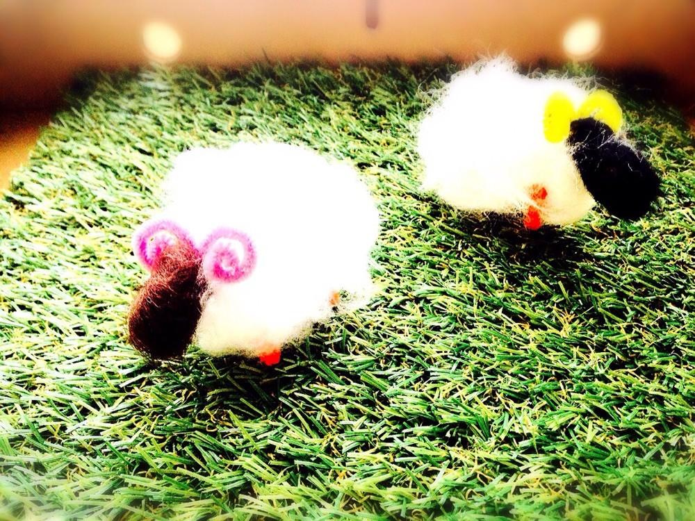 未年にちなんでモールと綿を使った羊ををつくりました♪