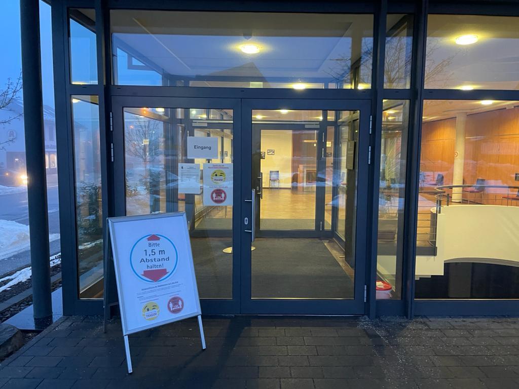 """Burgberghalle als Impfzentrum """"vor Ort"""" geöffnet"""