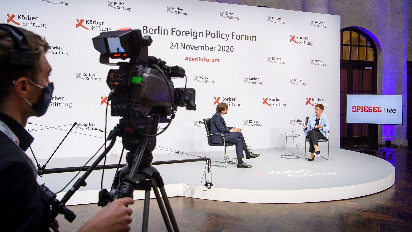 Interview mit Mathieu von Rohr, Leiter des Ressorts Ausland, DER SPIEGEL, und Annegret Kramp-Karrenbauer