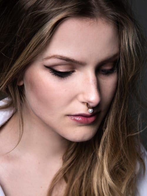 Photo: Katja Broemer, Hair & Make-up: Joana Greimers, Model: Aysha van Egmond, Schmuck: Saskia Diez
