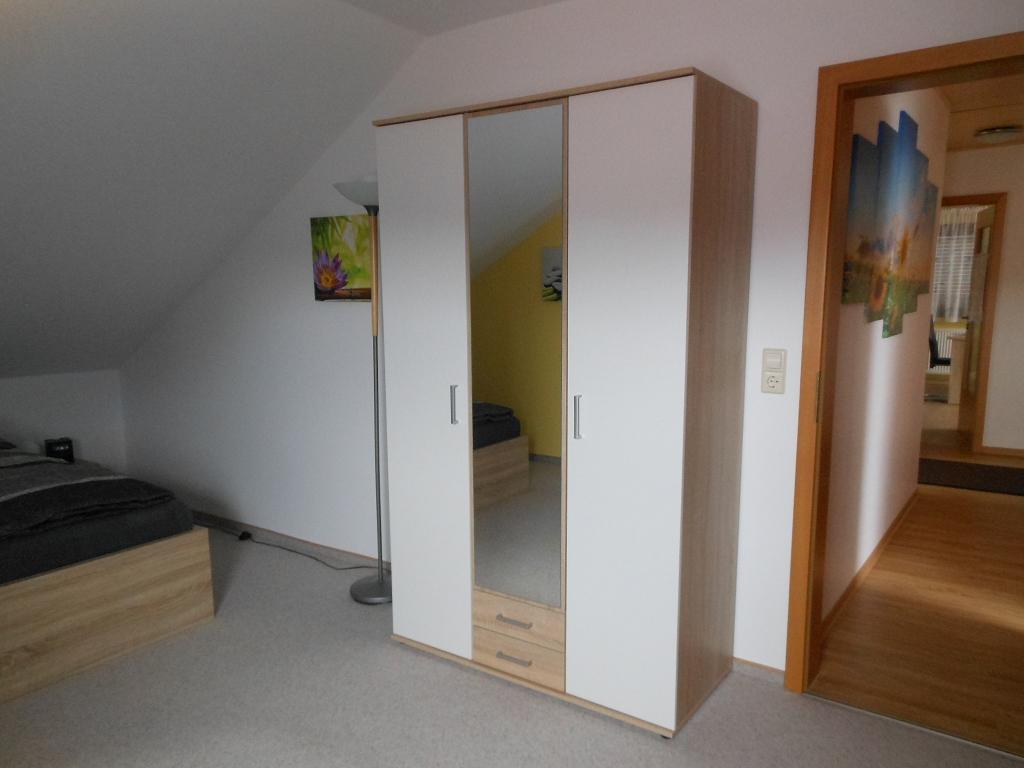 Großes Schlafzimmer Kleiderschrank