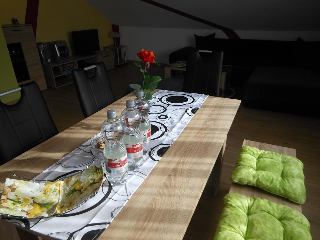 Wohn-/Eßzimmer Tisch