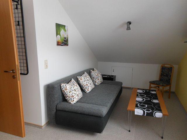 Großes Schlafzimmer Couch ausziehbar (für 1 Erw. oder 2 Kinder)