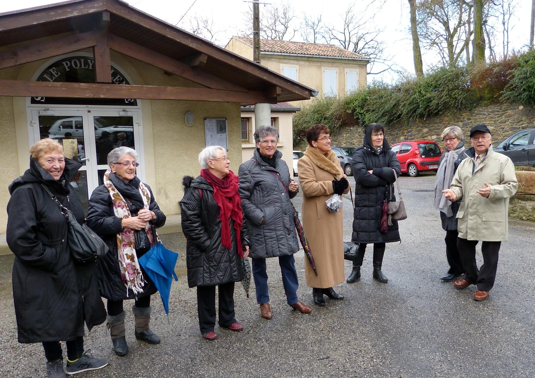 """Départ pour la visite du musée """"Us et Coutumes"""""""