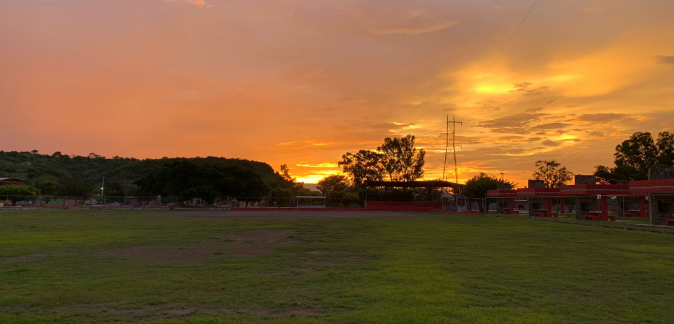 Campo de béisbol unidad deportiva Julian Medina