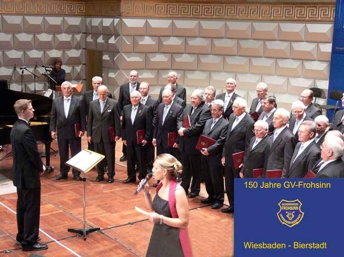 Männerchor unter der Leitung von Ernie Rhein
