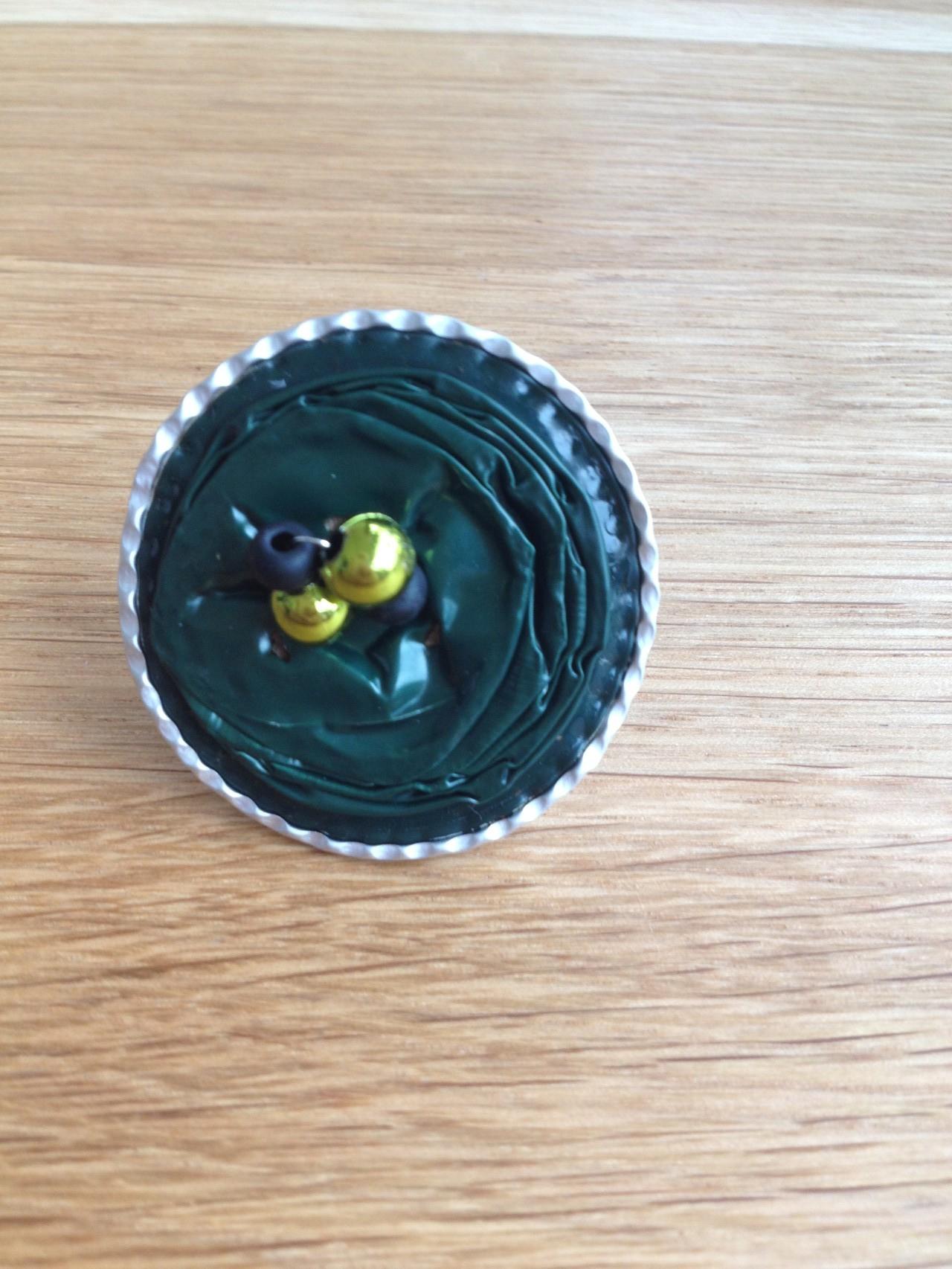 Ring (dunkelgrün mit Randbearbeitung)