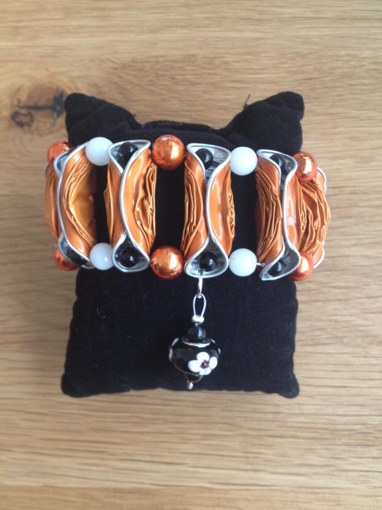 Breites Armband mit Pandora-Anhänger (orange/schwarz)
