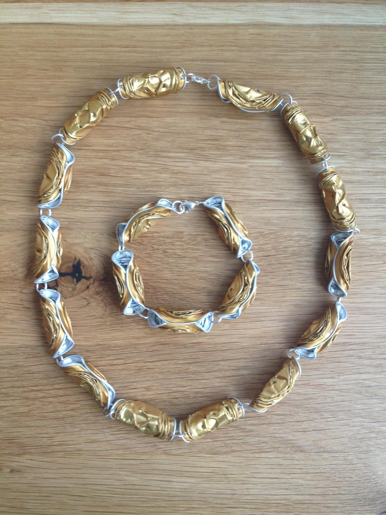 Gedrehte Halskette mit passendem Armabnd (gold)