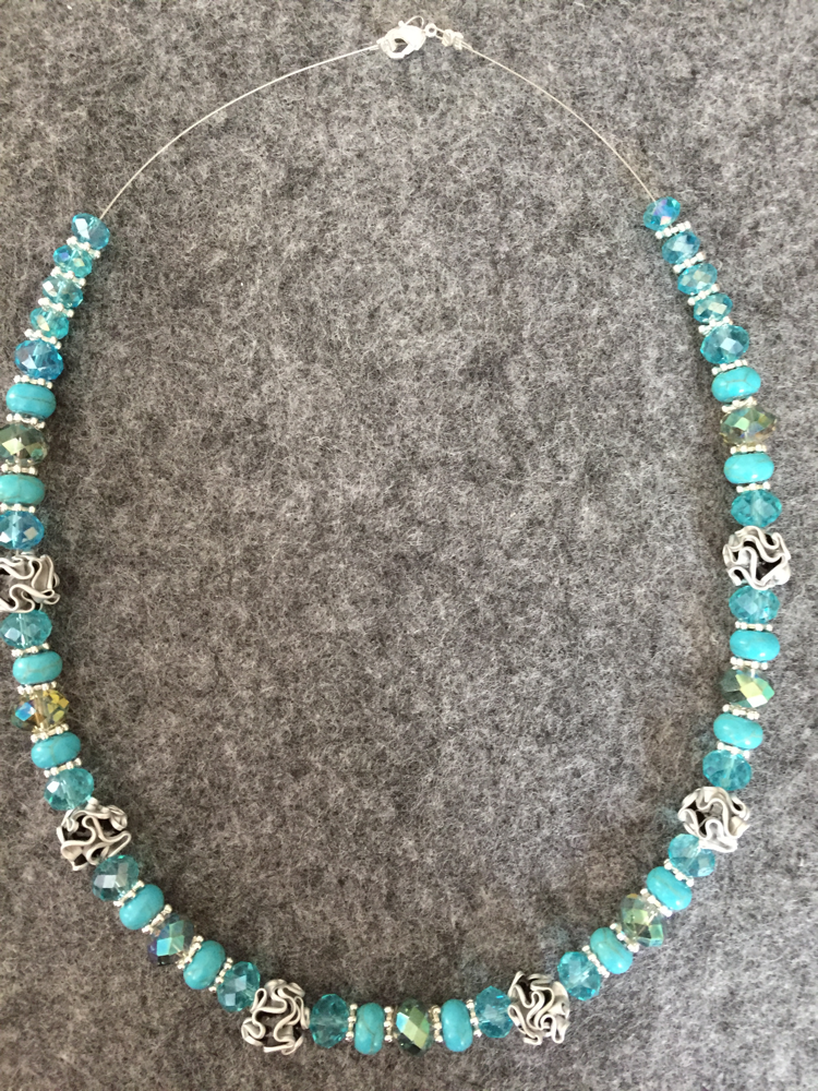 Perlenkette (türkys)