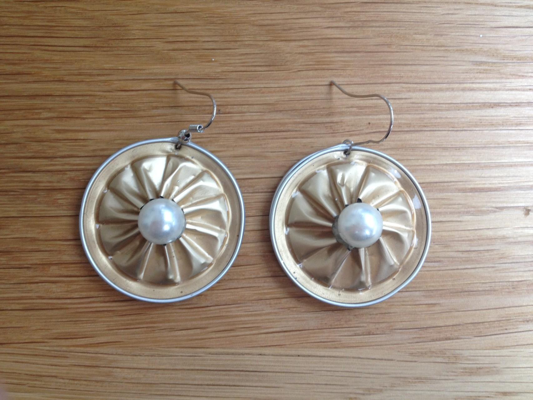 Runde Ohrringe (beige)
