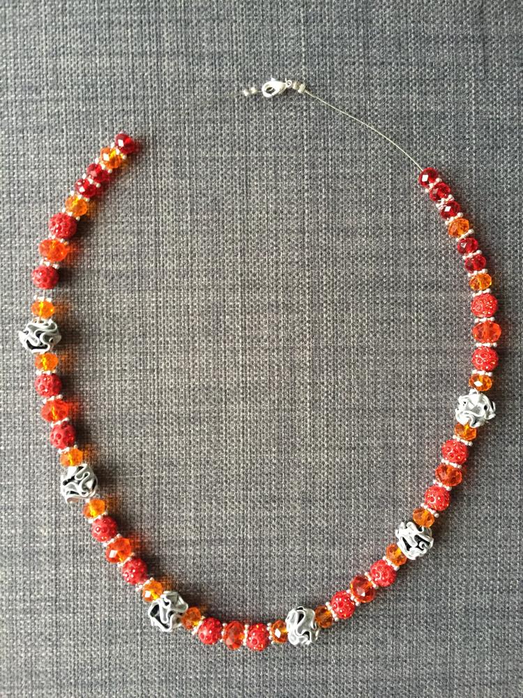 Perlenkette (rot/orange)