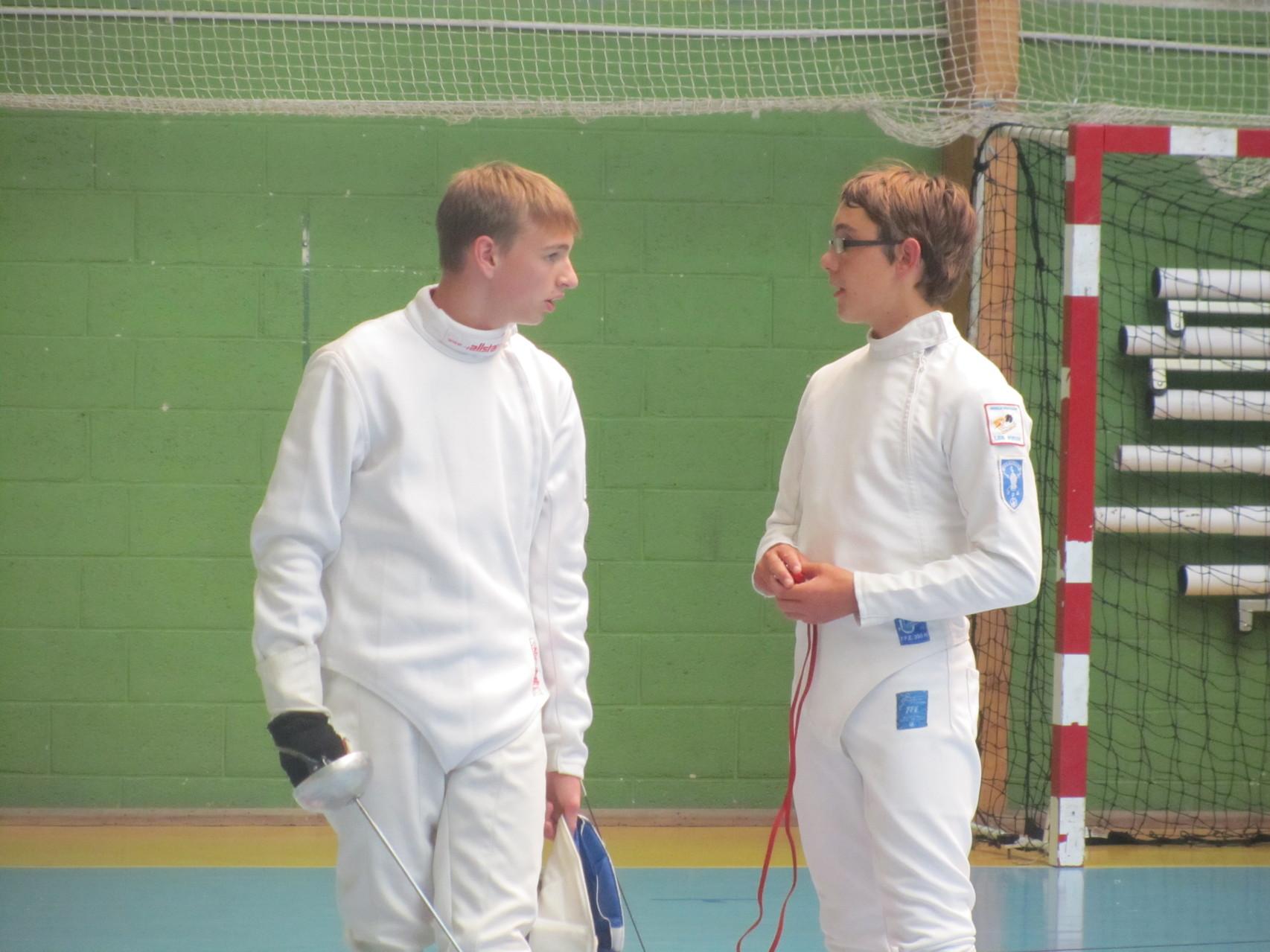 Bastien (à droite) en pleine discussion avec son ami d'Hainneville, Quentin Hirtz