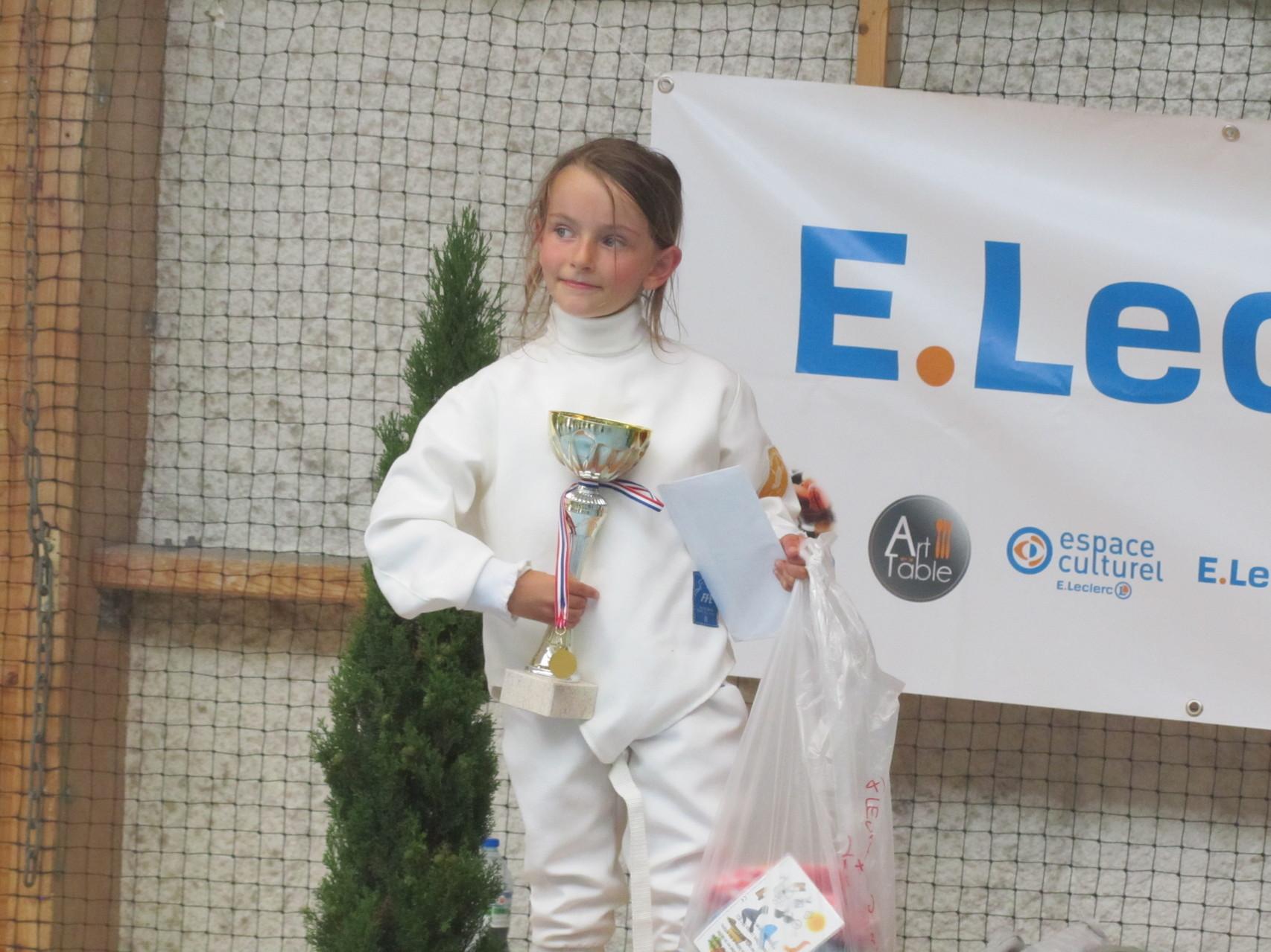 Première compétition et premier titre pour Mathilde. Les choses sérieuses commencent !!!